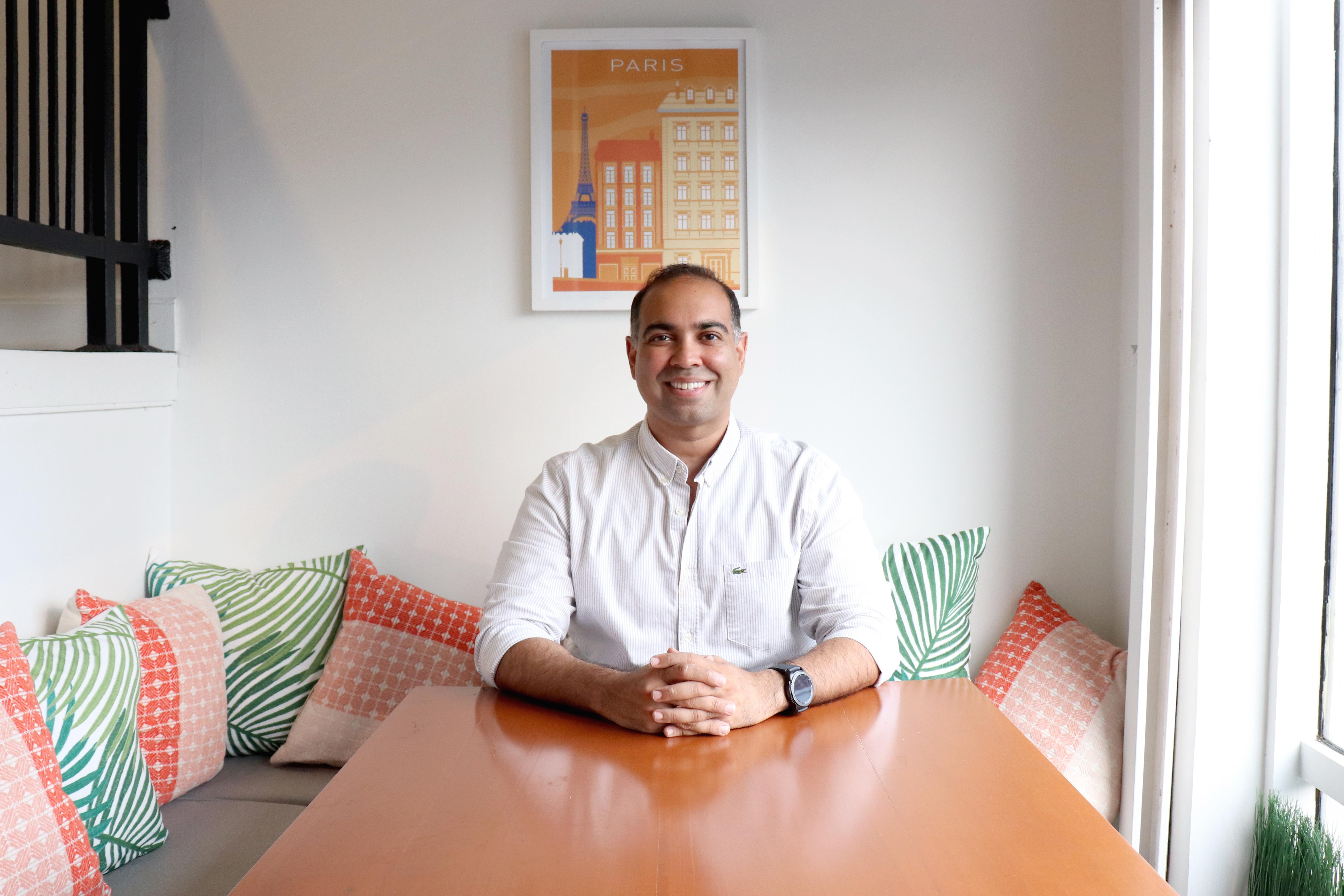 Portrait of Roger Mulchandani, Managing Director, Team Créatif